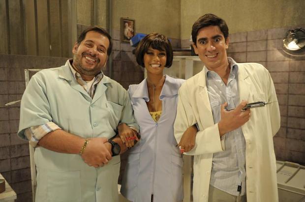 O comediante atuará ao lado de Leandro Hassum e Taís Araújo no seriado 622acae52b9c9