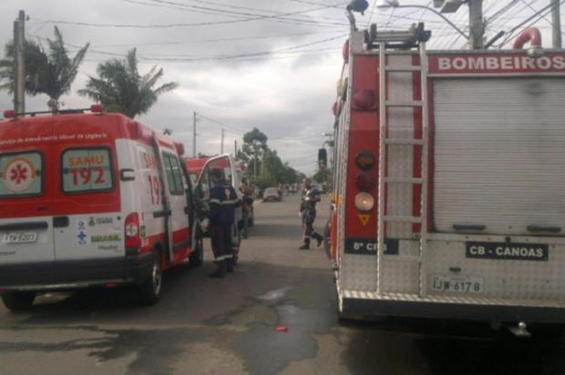 Jovem de 23 anos permanece armado e trancado dentro de carro em Canoas Eduardo Torres/Agencia RBS