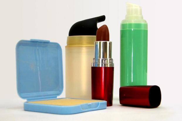 Pesquisa revela que mulheres não usam boa parte dos produtos de beleza que compram Stock Images/Stock Images