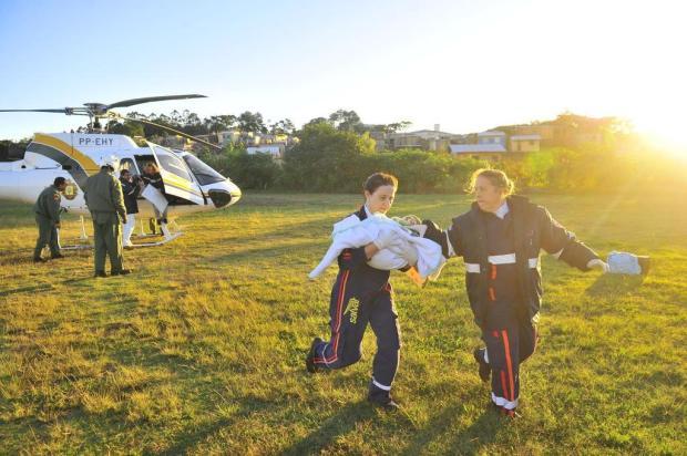 Bebê que trocou ambulância por helicóptero está em estado grave na UTI do Hospital de Alvorada Lauro Alves/Agencia RBS