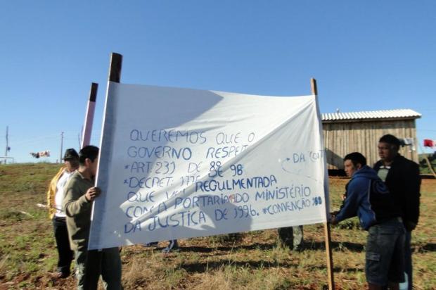 Indígenas bloqueiam rodovia em Mato Castelhano e aguardam encontro com governador Guilherme de Abreu / Rádio Alvorada/Especial