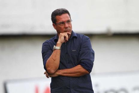 Wianey Carlet: reina o caos no vestiário gremista (Lucas Uebel/Grêmio/Divulgação/)