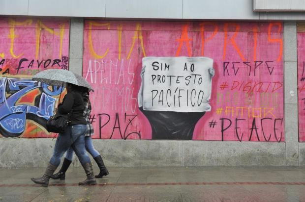 Antes de manifestação, estabelecimentos encerram atividades mais cedo no Centro de Porto Alegre Matheus Bruxel/Agência RBS