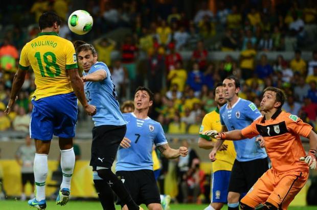 Brasil espanta Mineirazo, vence Uruguai e está na final da Copa das Confederações CHRISTOPHE SIMON/AFP