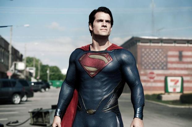 """Henry Cavill, o Superman de """"Homem de Aço"""", cancela vinda ao Brasil por causa de manifestações warner/Divulgação"""