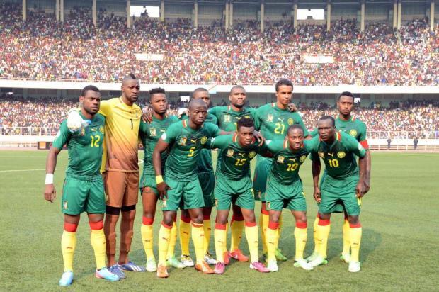 Suspensa pela Fifa, seleção de Camarões pode ficar de fora da Copa de 2014 JUNIOR D. KANNAH/AFP