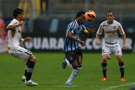 Zé Roberto será julgado quinta-feira pelo STJD e pode ser baixa para o Gre-Nal Diego Vara/Agencia RBS