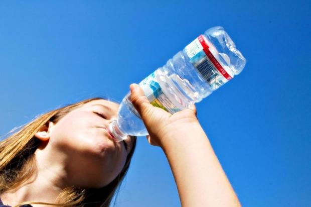 Tomar água pode melhorar o funcionamento de seu cérebro Divulgação/stock.xchng