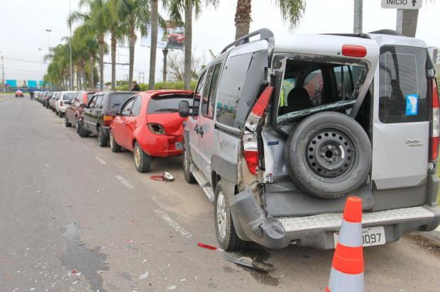Acidente envolve ônibus e seis veículos na região do Aeroporto Dani Barcellos/Especial