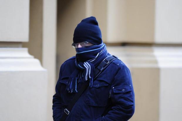 """""""Sair de casa é como abrir um freezer"""", diz porto-alegrense no dia mais frio do ano na Capital Ronaldo Bernardi/Agencia RBS"""