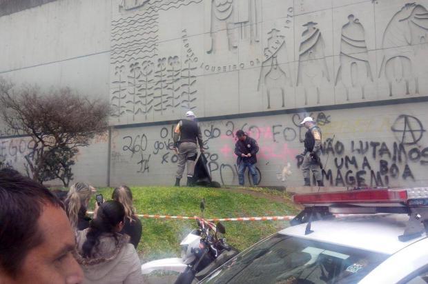 Cabe�a de mulher � encontrada no centro de Porto Alegre Katysuki Rossini/Di�rio Ga�cho