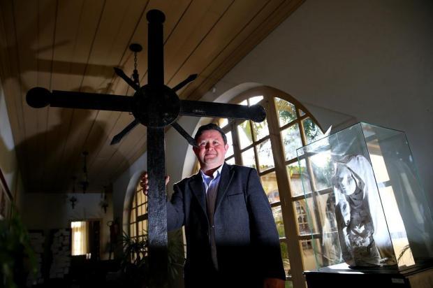 Cruz encontrada em Camaquã pode ter sido de igreja das Missões Bruno Alencastro/Agencia RBS