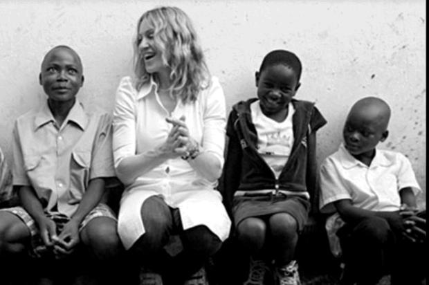 De aniversário, Madonna pede doações para ONG do Malauí como presente Raising Malawi/Divulgação