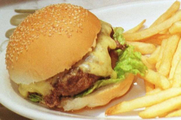 Menu que mostra tempo necessário de exercícios para gastar a refeição ajuda a comer menos Júlio Cordeiro/Agencia RBS