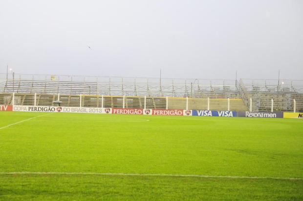 Inter reitera que seguirá em Novo Hamburgo, mas ainda deve laudo estrutural à CBF Ricardo Duarte/Agencia RBS