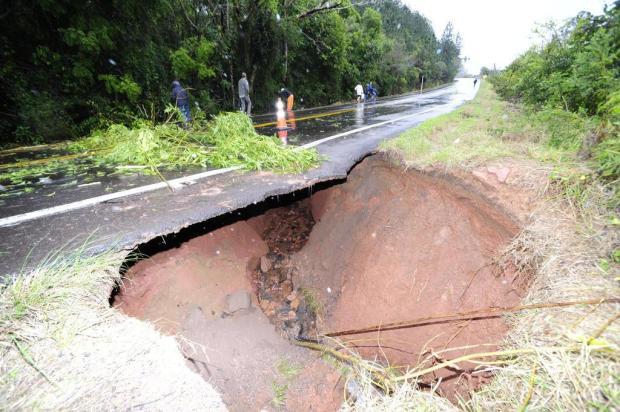 Daer estuda decretar situação de emergência para recuperar estradas danificadas pela chuva Ronaldo Bernardi/Agencia RBS