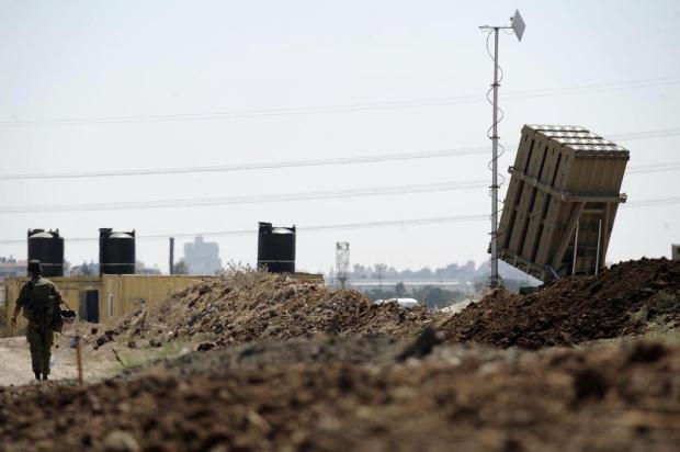 Israel mobiliza sistemas antimísseis em Tel Aviv AFP PHOTO/AFP