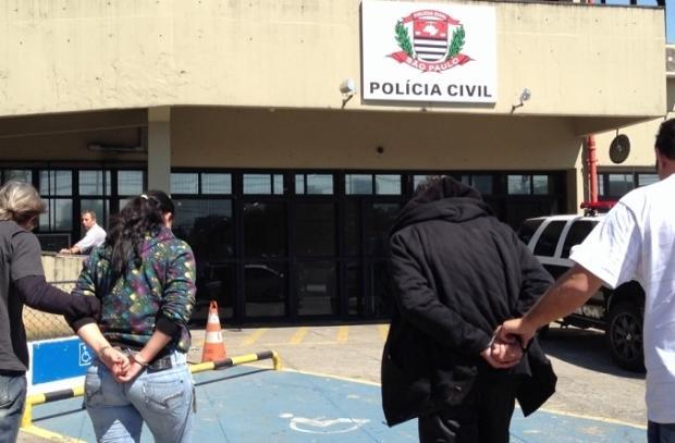 Casal é suspeito de desviar R$ 30 milhões em banco de Porto Alegre Polícia Civil/Divulgação