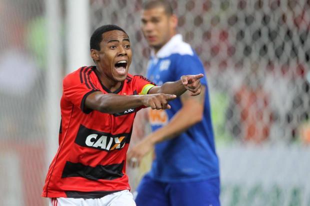 Em nota, Sporting afirma que irá processar Elias, volante do Flamengo MÁRCIO MERCANTE/Estadão Conteúdo