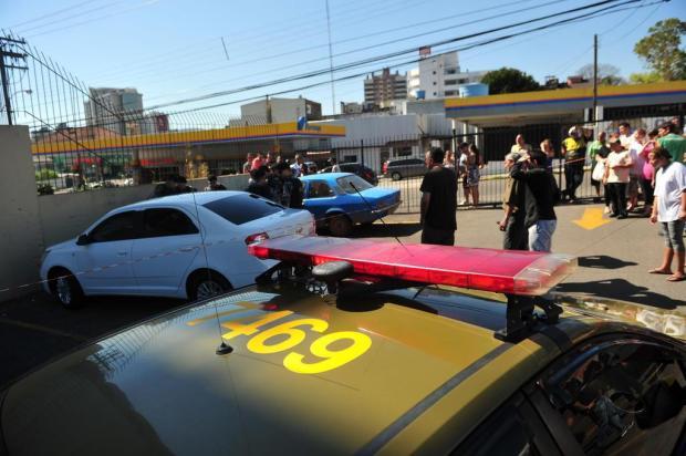 Mulher é jogada morta em estacionamento de supermercado de Santa Maria Ronald Mendes/Agencia RBS