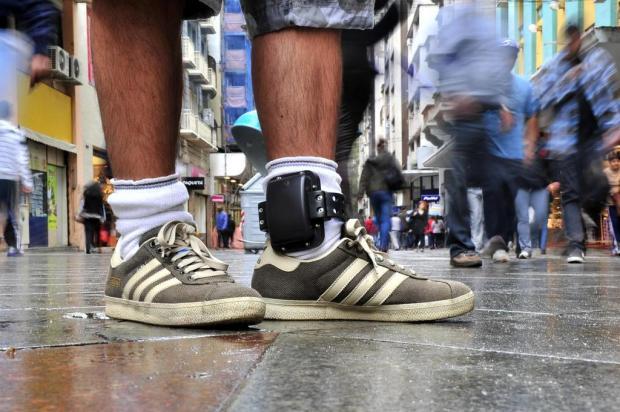 Saiba como é usar tornozeleira eletrônica para monitoramento de presos Tadeu Vilani/Agencia RBS