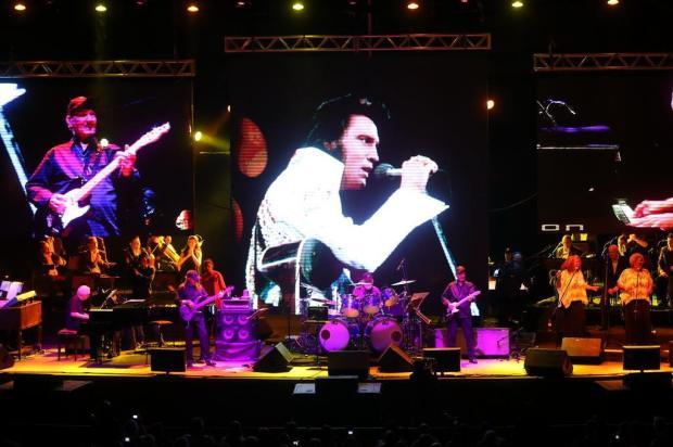 """""""Elvis Presley in Concert"""" anima público do Araújo Vianna, em Porto Alegre Ricardo Duarte/Agencia RBS"""