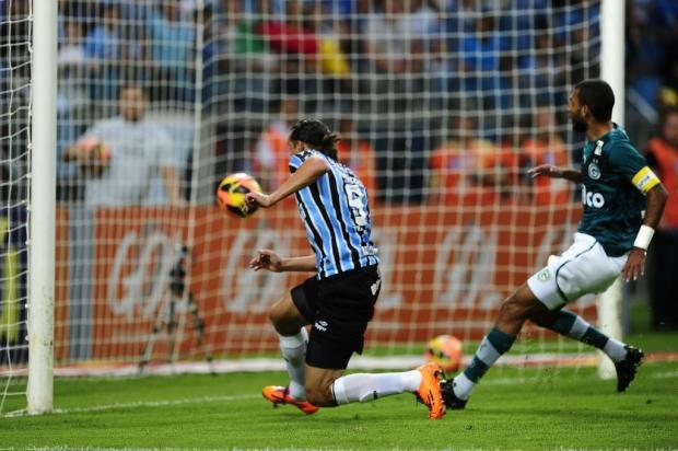 Grêmio vence o Goiás, se garante na Libertadores e fica perto do vice do Brasileirão Diego Vara/Agencia RBS
