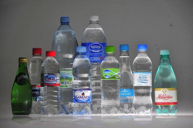Saiba como escolher a água mineral mais saudável  Lauro Alves/Agencia RBS