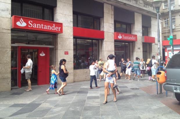 Agência do banco Santander é furtada no Centro de Porto Alegre Carolina Rocha/Agência RBS