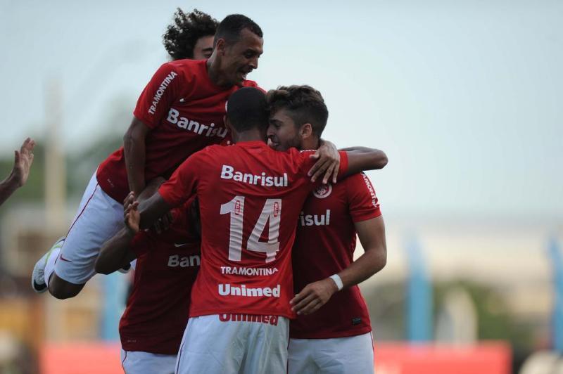 Time misto do Inter comemora o primeiro tento da partida. O colorado foi a campo com garotos do sub-23 e reservas do grupo principal.:imagem 2