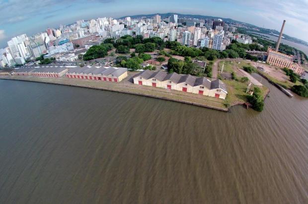 Primeira fase de demolições do Cais Mauá, em Porto Alegre, deve terminar em duas semanas Bruno Alencastro/Agencia RBS