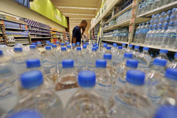 Aumento de impostos para pagar gastos com energia não atinge refrigerantes e água Lauro Alves/Agencia RBS