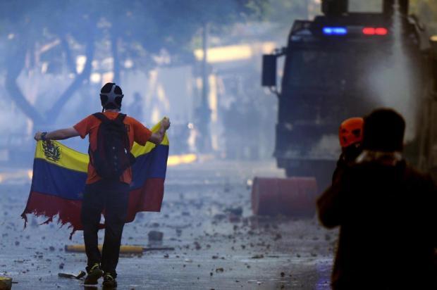 Opositores e governistas voltam às ruas da Venezuela JUAN BARRETO/AFP