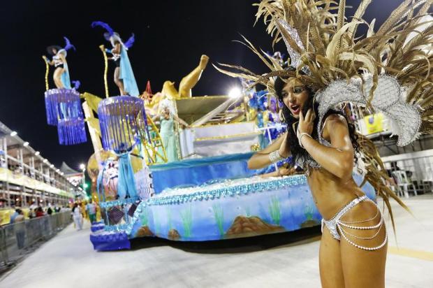 IAPI e Tinga são destaques na primeira noite do Carnaval de Porto Alegre Mateus Bruxel/Agencia RBS