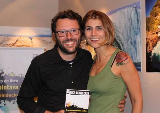 Manuela D'Ávila e Duca Leindecker são assaltados em Porto Alegre Facebook/Reprodução