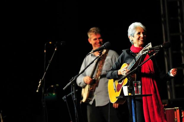 Joan Baez emociona público em show no Araújo Vianna Carlos Macedo/Agencia RBS