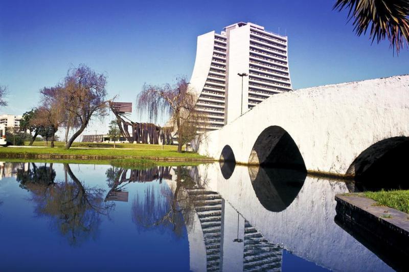 Ponte dos Açorianos, que presta homenagem aos fundadores açorianos de Porto Alegre. FOTO LEONID STRELIAEV:imagem 5
