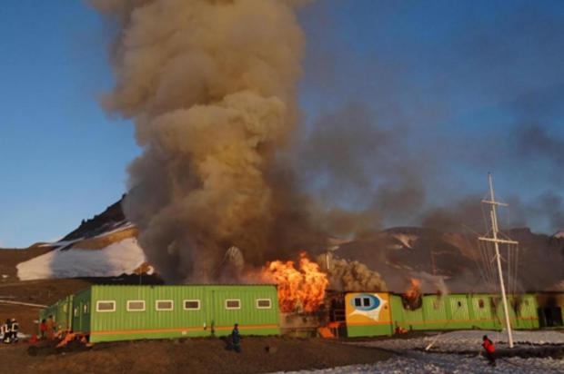 Senado aprova MP que libera recursos para reconstrução de estação brasileira na Antártica Armada de Chile/Divulgação