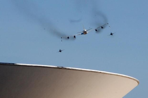 FOTO: aviões da Força Aérea Brasileira ensaiam para o desfile de 7 de Setembro Andre Dusek/Agência Estado
