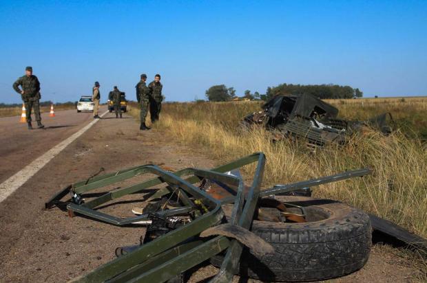 Veículo do Exército capota e dois militares morrem na BR-471, perto do Taim Lucia Maciel/Especial